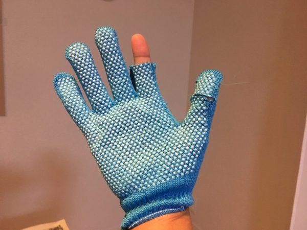 親指と人差指がカットしてある手袋